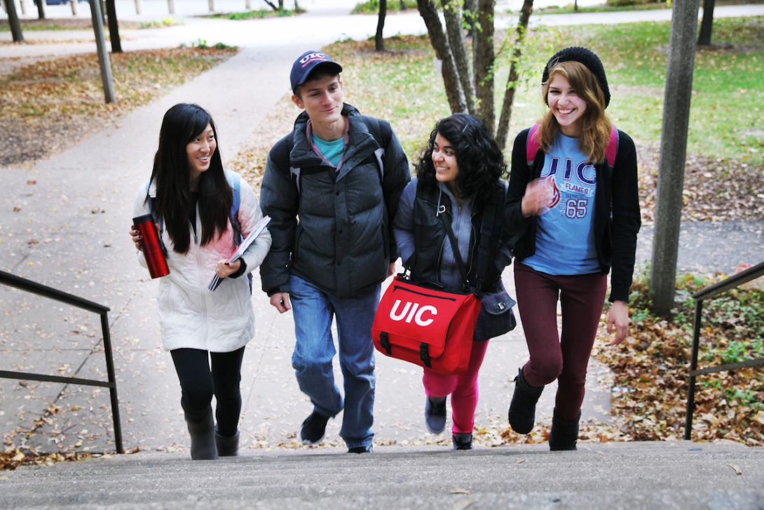 Undergraduate students in class.