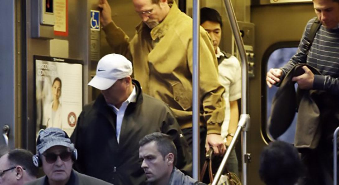 metra riders exit train