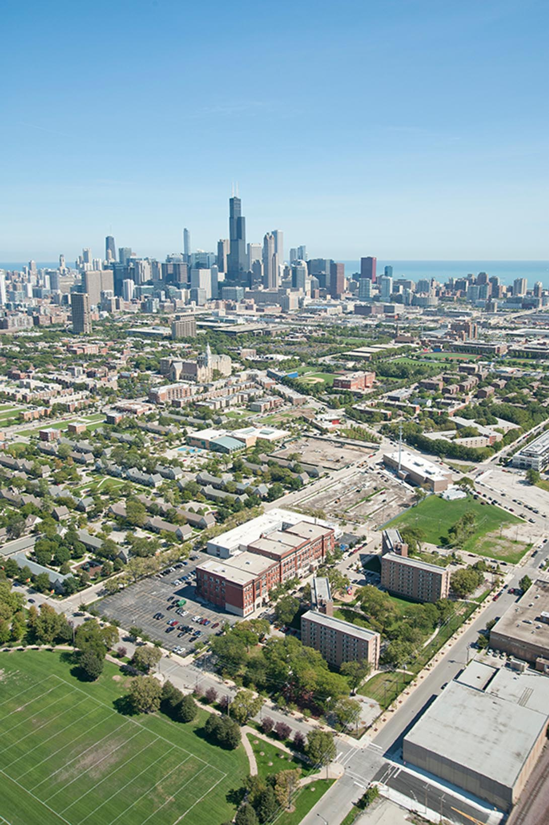 Long view of Chicago downtown including neighborhoods