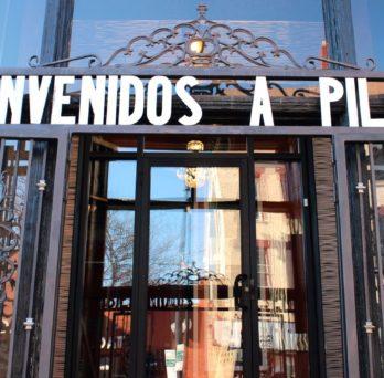 Bienvenidos a Pilsen sign